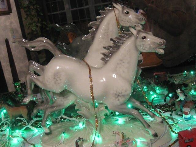 4.Dal's.Horses.Close.Up
